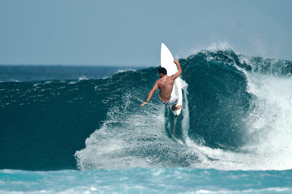 surfing_374392756